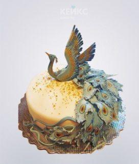 Торт с фигуркой Жар-птицы