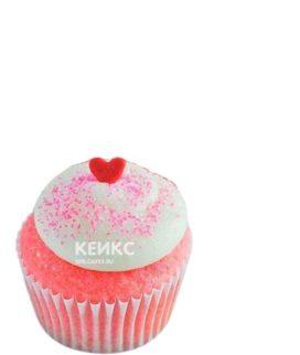Розовые капкейки с сердечками