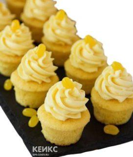 Желтые капкейки с кремом для повода и без повода