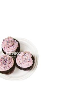 Недорогие капкейки с розовым кремом