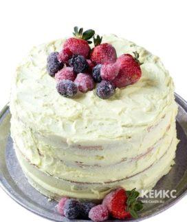 Торт без глютена с клубникой и малиной