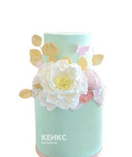 Бирюзовый торт с цветами и листочками