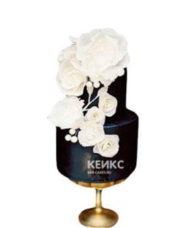 Черно-белый торт с цветами