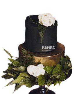 Черный торт с живыми цветами