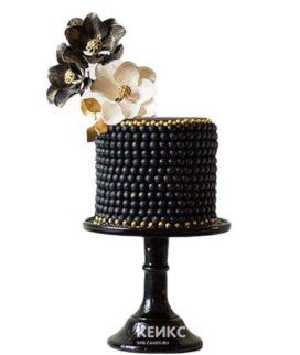 Черный торт с цветами