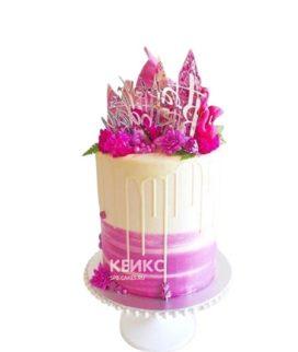 Бело-розовый торт с надписью на 15 лет девушке