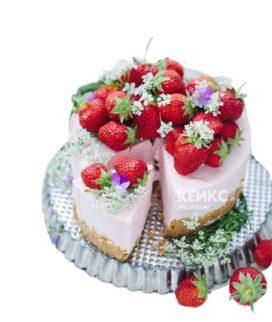Торт для беременных с клубникой