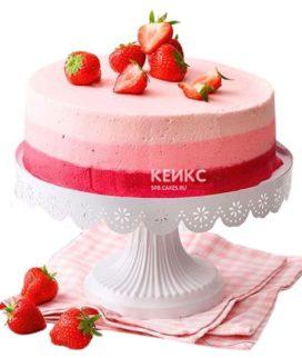 Розовый торт для беременных с клубникой