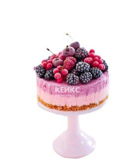 Диетический розовый торт с ягодами для диабетиков