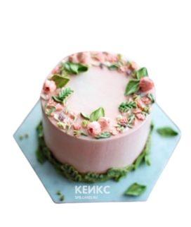 Нежно-розовый торт с цветами для свекрови