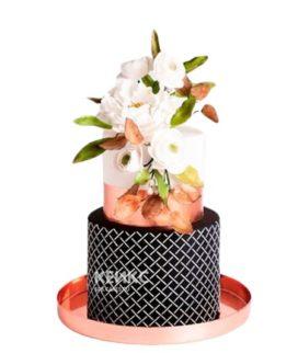 Эксклюзивный торт черно-белый с цветами на день рождения