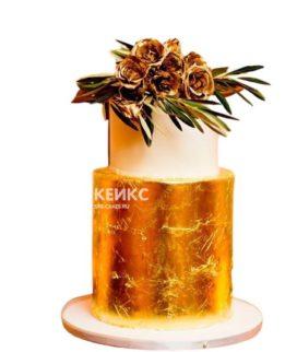 Эксклюзивный торт бело-золотой с цветами на день рождения