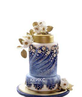 Эксклюзивный торт на день рождения в синем цвете