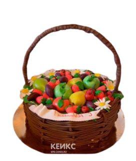 Торт корзина с фруктами, ягодами и цветами