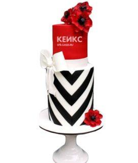 Красно-белый торт с цветами и бантом