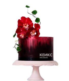 Темно-красный торт с цветами