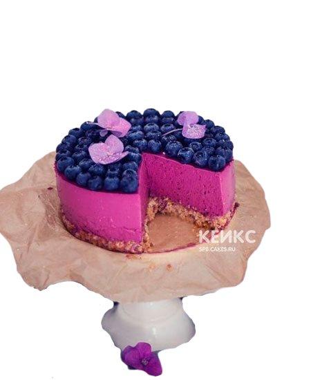 Яркий постный торт с ягодами
