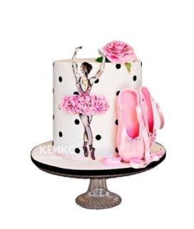 Торт с балериной и пуантами