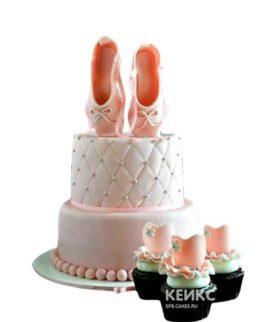 Нежный торт балерина с пуантами
