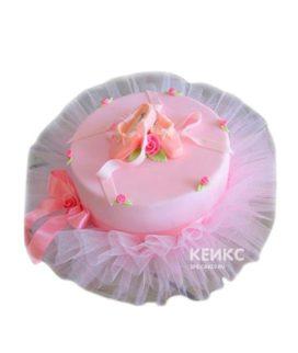 Розовый торт балерина с пуантами и бантиком