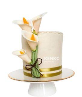Торт с мастичными каллами