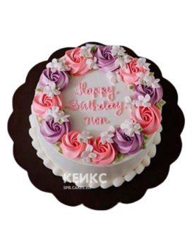 Белый торт с кремовыми цветами и надписью