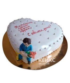 Торт в виде сердца с надписью