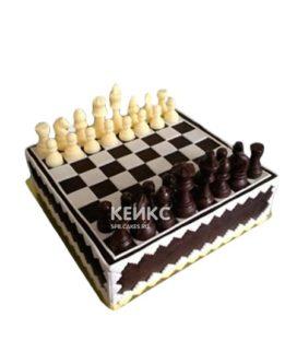 Торт шахматы белые и коричневые фигурки