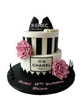 Торт шанель черно-белый с цветами