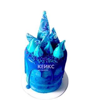 Синий торт с фигурками