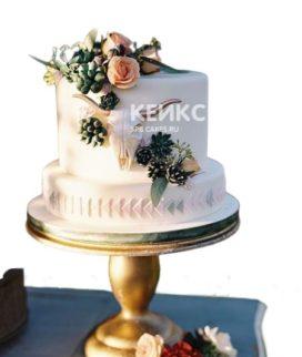 Свадебный торт в стиле бохо с черепом быка
