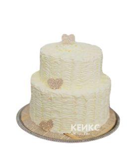 Недорогой двухъярусный свадебный торт с сердцами