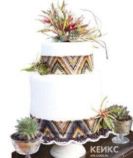 Свадебный торт в стиле бохо белый с узорами