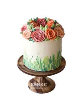 Бело-зеленый торт с цветами в малазийской технике