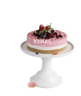 Веганский торт с разными слоями и ягодами