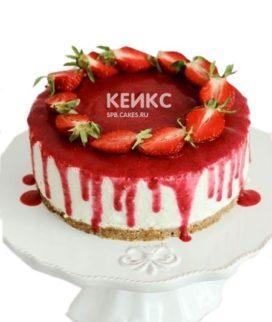 Вегетарианский торт с клубникой