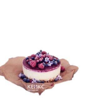 Вкусный вегетарианский торт с ягодами