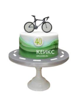 Торт со спортивным велосипедом