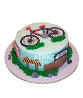Торт с велосипедом и дорожными знаками