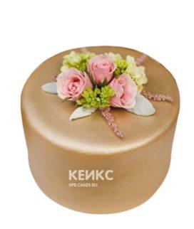 Золотой торт с цветами