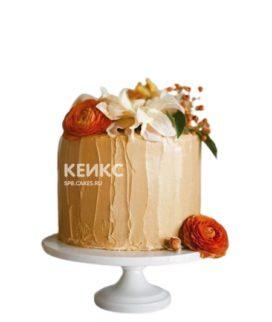 Золотой торт с разными цветами