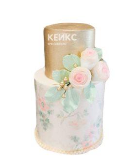 Розово-золотой торт с цветами