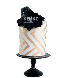 Бело-золотой торт с черными цветами