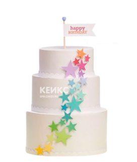 Торт с разноцветными звездами и флажком