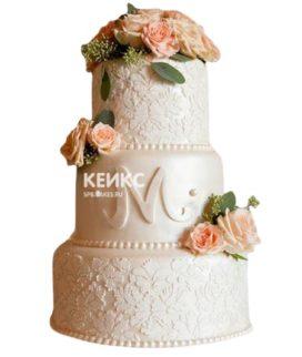 Свадебный торт с инициалами 6