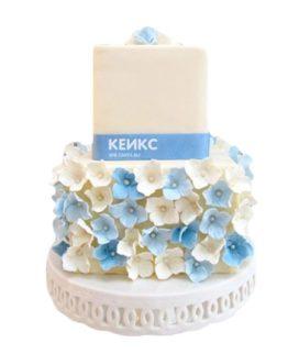 Торт бело голубой 2