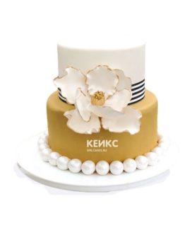 Торт бело золотой 3