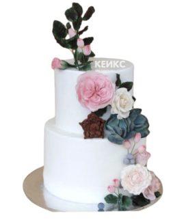 Торт белый с цветами 6