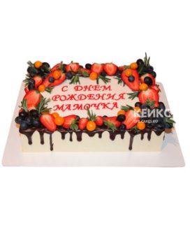 Торт прямоугольный с ягодами 1