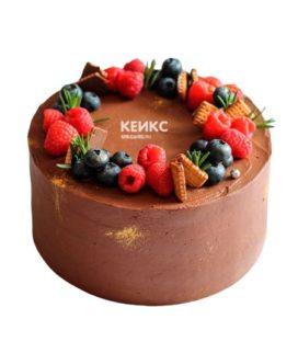 Торт шоколадный с ягодами 6